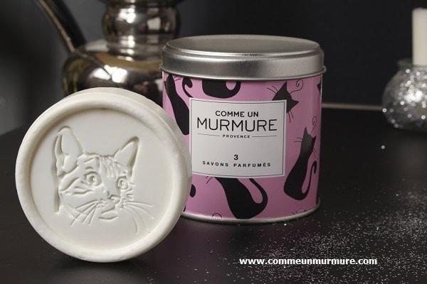 Savons parfumés et gravés avec une tête de chat
